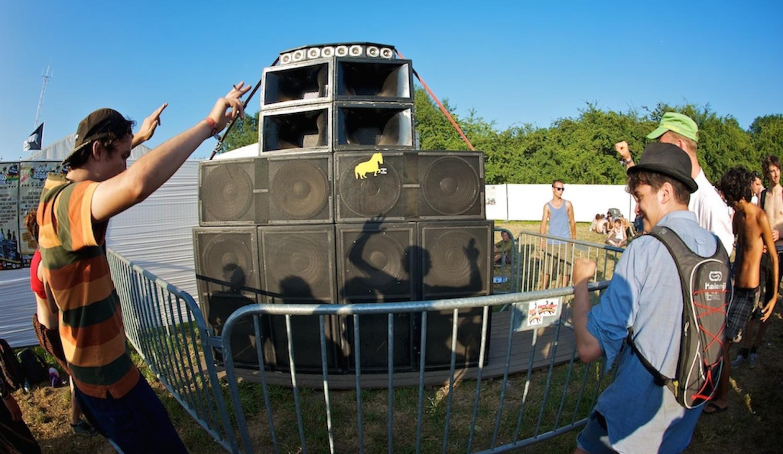 Legal Shot Sound System meets Reggaebus Soundsystem