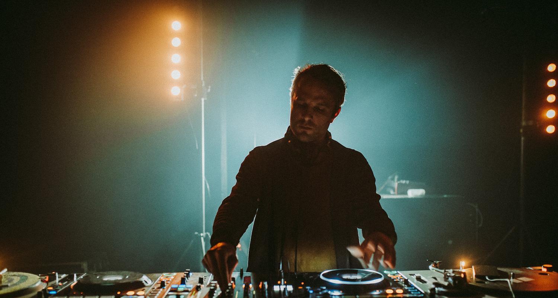 DJ soFa